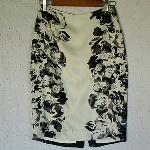 Zara collection pencil skirt size S